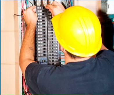 Curso Básico de Segurança em Instalações e Serviços com Eletricidade
